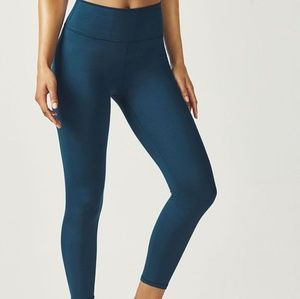 Fabletics highwaisted 7/8 teal color legging